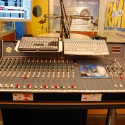nfmdp..-..-public-galeries-photos-studio-radio-rmb-4.jpg